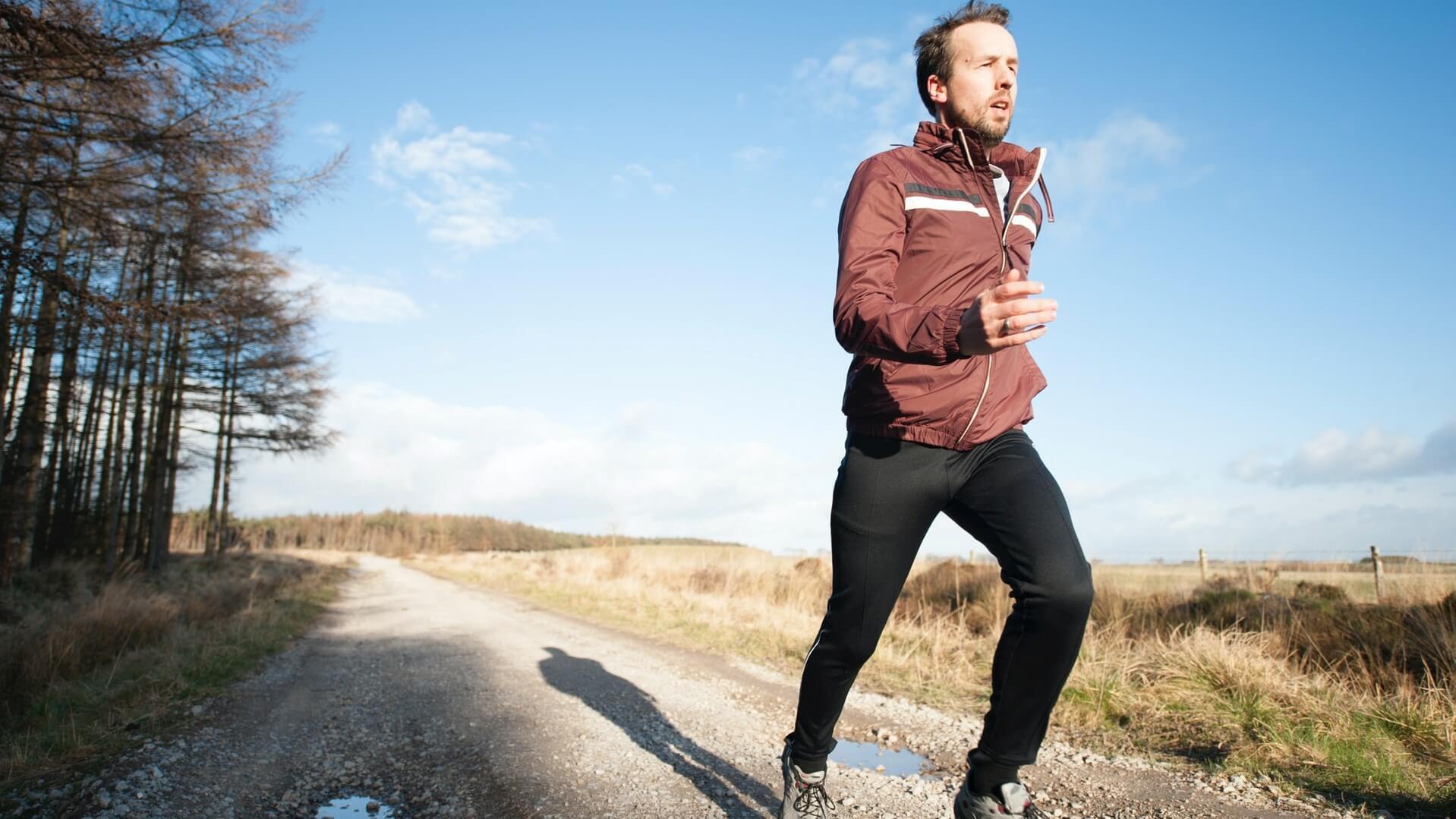 A mozgás és a vitaminok is erősítik a test természetes védekezőképességét.