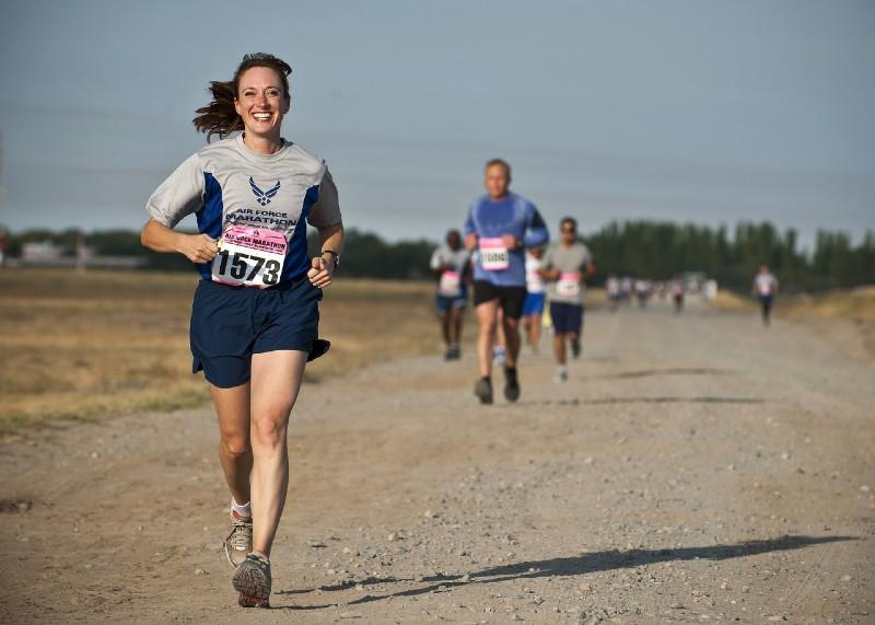 Miért állj neki már holnap futni? Mennyi kalóriát lehet elégetni a futással?